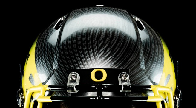 I'm an Oregon fan, whether they win or lose.  I won't let the foolish actions of a few players, former players or fans get in the way of my loyalty.  (Image from helmetgame dot com)