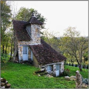 This little gem of a house was something I found on the internet.  It's like a blog, only you can live in it.