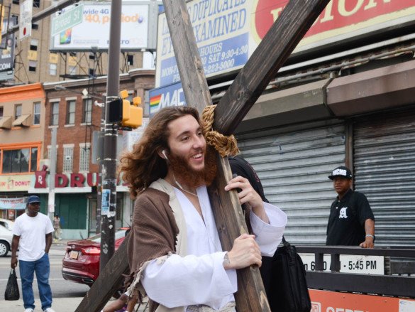 Philly Jesus in happier times. Blasting a little Milli Vanilli in your ear buds can make even the heaviest cross lighter to bear. (Image from Andrew Thayer - Philly dot com)